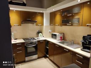 szafki kuchenne przed odnowieniem
